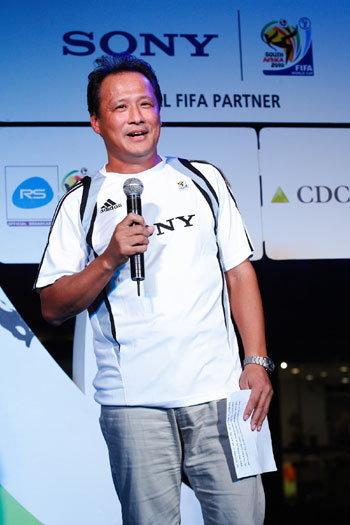 Sony Thai's MD, Mr. Toru Shimizu