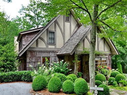 บ้านสไตล์อิงลิชคอทเทจ (English Cottage) เหมือนในนิทาน