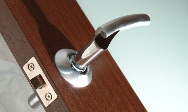 หลักการเลือกวงกบและบานประตูให้คุ้มกับการใช้งาน