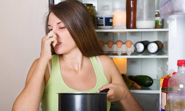 """เคล็ดลับกำจัด """"กลิ่นเหม็น"""" จาก """"ตู้เย็น"""" หลังไฟดับ"""