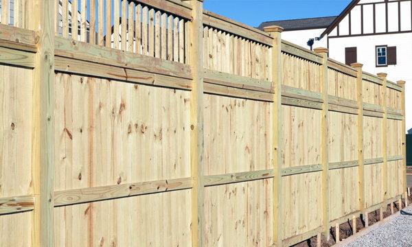 สร้างรั้วบ้านอย่างไร ถูกทั้งกฎหมาย และไม่ทะเลาะกับเพื่อนบ้าน