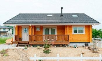 แบบบ้านไม้ญี่ปุ่นชั้นเดียว เพดานสูง มีระเบียงหน้าบ้าน