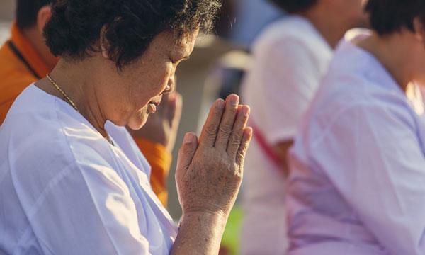 เคล็บลับการอธิษฐานหลังสวดมนต์ ทำให้ชีวิตเจอแต่สิ่งที่ดี