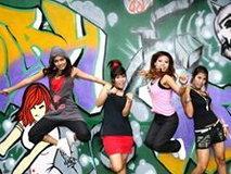 Me N Ma Girls