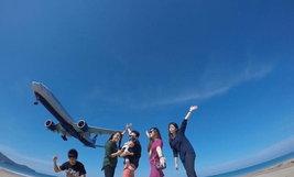ครอบครัวคุณ Rung Pluag หาดไม้ขาว จังหวัดภูเก็ต