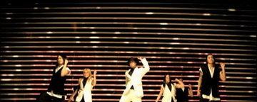 MV เพลง She Ain't You - Chris Brown