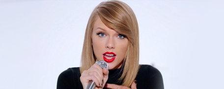"Taylor Swift โดนฟ้องข้อหา ""ก็อป"" เนื้อเพลงใน ""Shake It Off"""