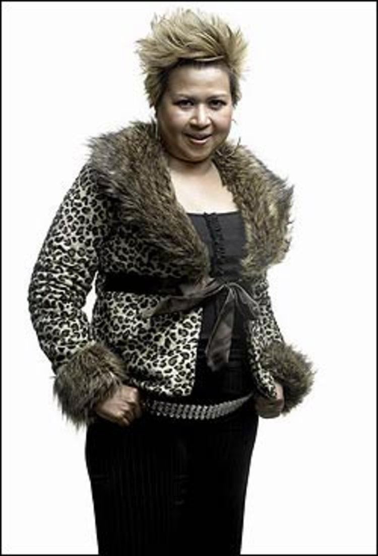 เอื้อง - สาลินี ผุด thaisinglemom.com เพื่อหญิงแกร่งรับวันแม่