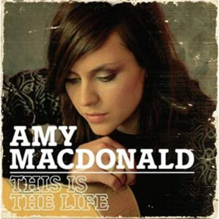 All About Amy MacDonald By ปราบดา หยุ่น