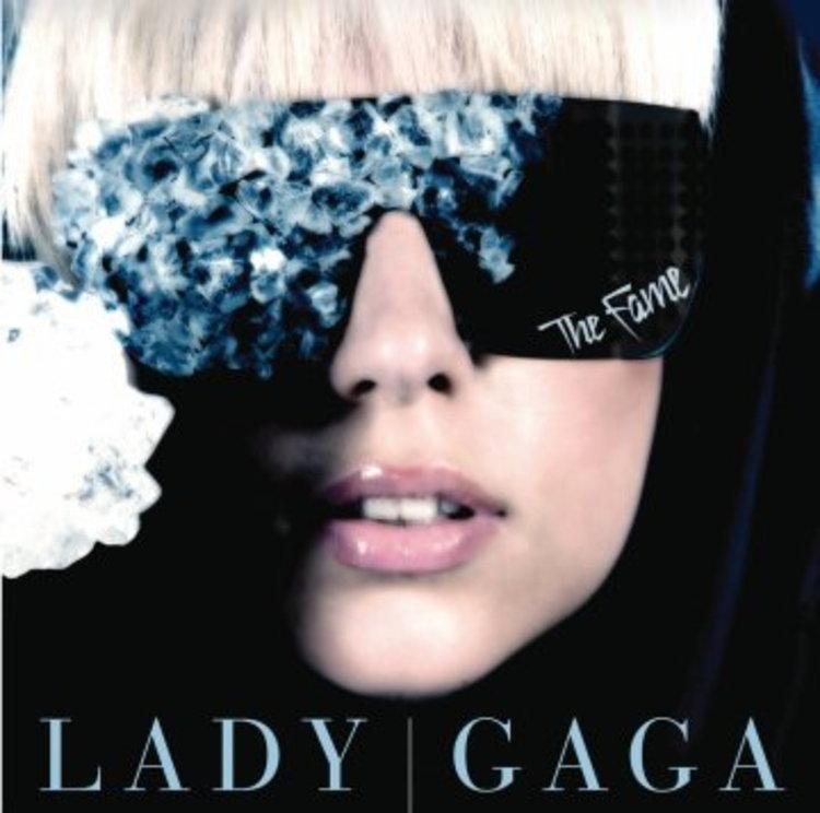 ประกาศรายชื่อผู้โชคดี ที่ได้รับ CD Lady GaGa  พร้อมด้วย CD Promo Monthly