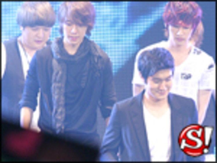 Super Junior เซอร์ไพรส์ร่วมเป็นแขกรับเชิญสุดพิเศษใน KPN AWARDS 2010