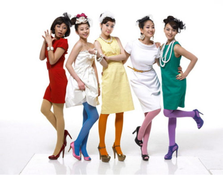 Wonder Girls และสมาชิกใหม่ เฮริม เปิดตัวแบรนด์เครื่องสำอาง WG by WONDER girls