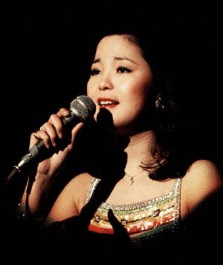 เลสลี่ จาง - เติ้งลี่จวิน ติดโผสุดยอดศิลปินของ CNN