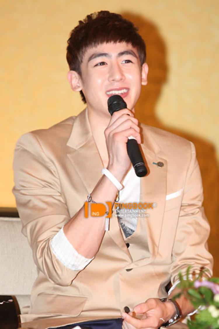 นิชคุณ 2PM เยือนไทยพร้อม วิคตอเรีย บันทึกเทป  We Got Married