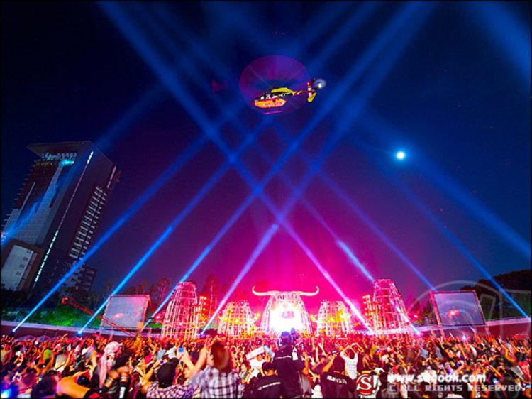 เปิดตัวมหกรรมดนตรี 30 ปี คาราบาว อลังการ แสง สี เสียง สุดยิ่งใหญ่