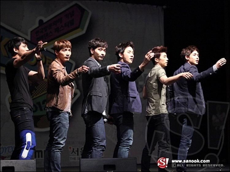2PM ลัดฟ้าเยือนไทย ร่วมตัดสิน K-POP Cover Dance Festival 2011