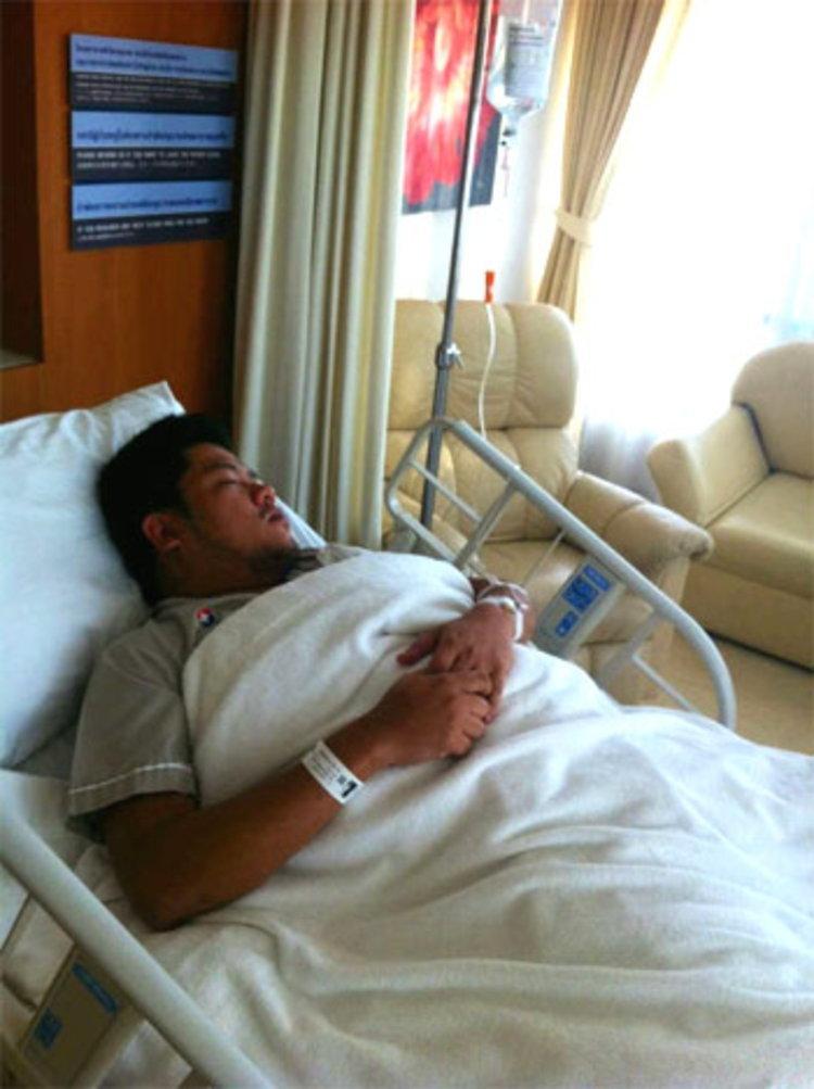 เบน ชลาทิศ ไข้ขึ้นสูง 40 องศา หามส่งโรงพยาบาลด่วน!!