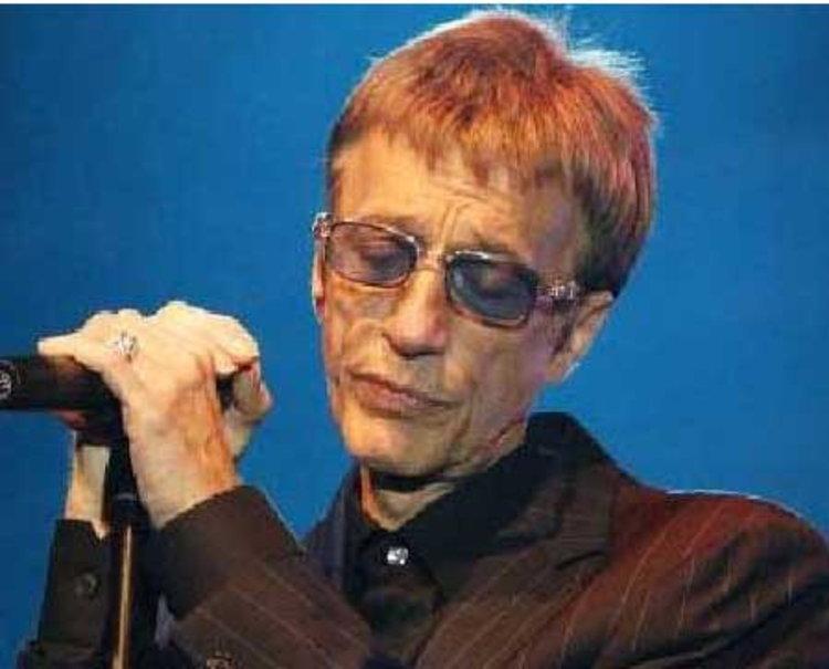 อาลัย!! โรบิน กิ๊บบ์ ศิลปินดังวง Bee Gees เสียชีวิตด้วยมะเร็ง