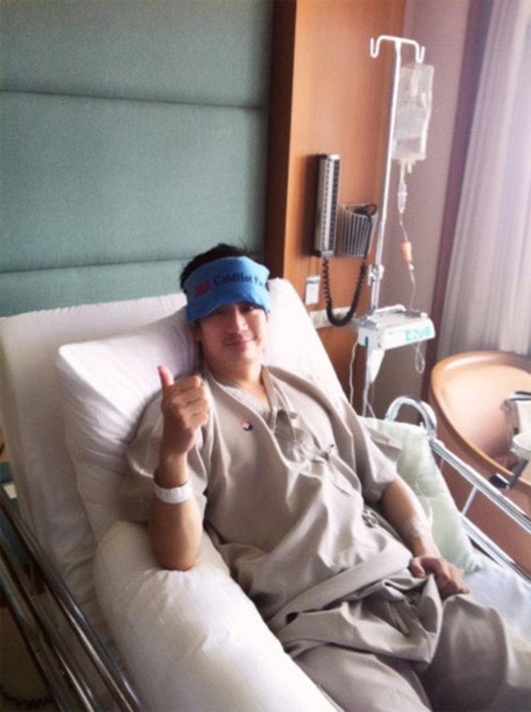 หมอโอ๊ค สมิทธ์ ติดไข้หวัดใหญ่ 2012