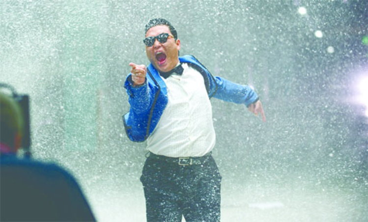 Gangnam Style โกอินเตอร์แล้ว!! PSY เซ็นสัญญา Universal Music
