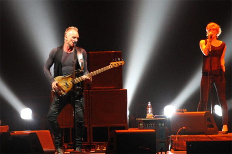 ค่ำคืนที่แสนวิเศษ กับ STING : BACK TO BASS Tour 2012