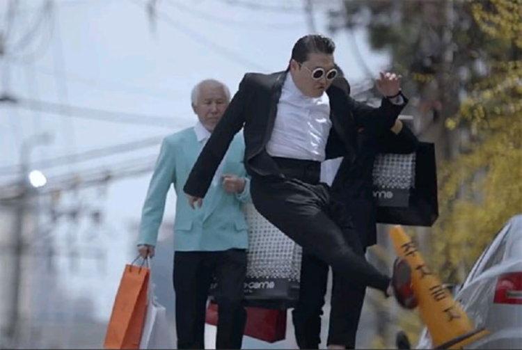 เอ็มวี Gentleman ถูกแบนแล้ว แต่ PSY ยังคงได้รับคำชื่นชมจาก ปธน.เกาหลีใต้