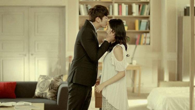 อิมซึลอง แห่ง 2AM เผยฉากจูบหน้าผากแสนหวาน