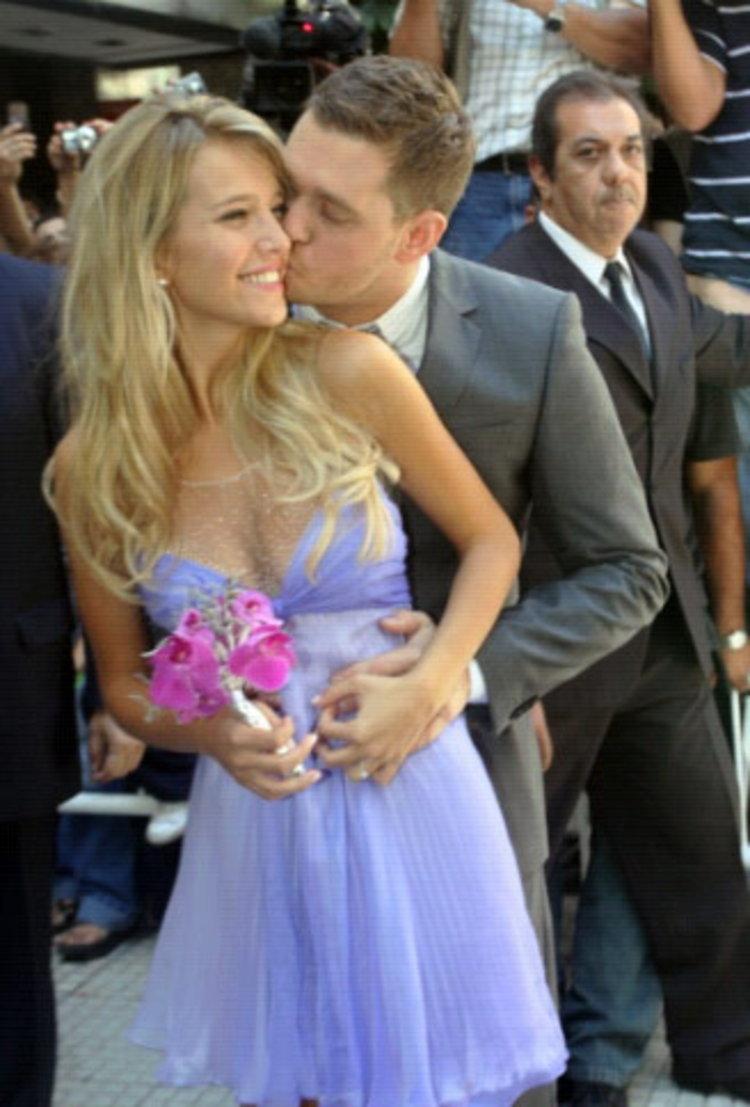 นักร้องหนุ่มอารมณ์ดี Michael Bublé แต่งเพลง Close Your Eyes เพื่อภรรยา