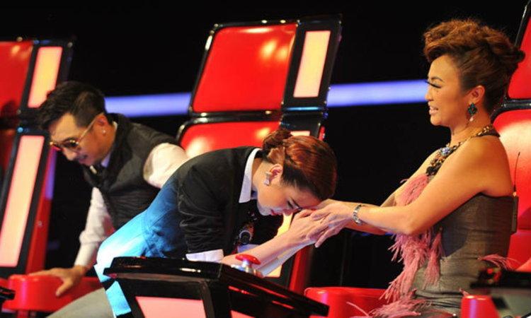 Knock Out ยกแรกก็ดราม่า! แฟน The Voice Thailand กังขา แนน-ลูกพีช ใครน่าผ่าน