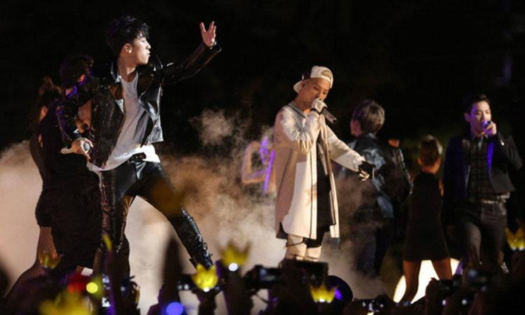 วีไอพีเมืองลอดช่องกรี๊ดสนั่น BIGBANG (빅뱅) เปิดเวที F1