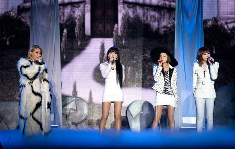 2NE1 คอนเฟิร์ม! จัดเต็มบนเวที TOFU MUSIC FESTIVAL 2014