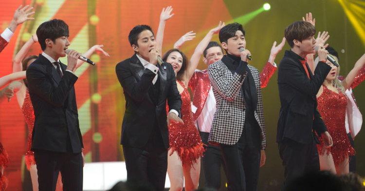 ไมค์ พิรัชต์-อันแจยอน-จุงอิลวู และจางฮั่น ร้องเพลงฉลองตรุษจีนงาน Spring Festival Gala 2016