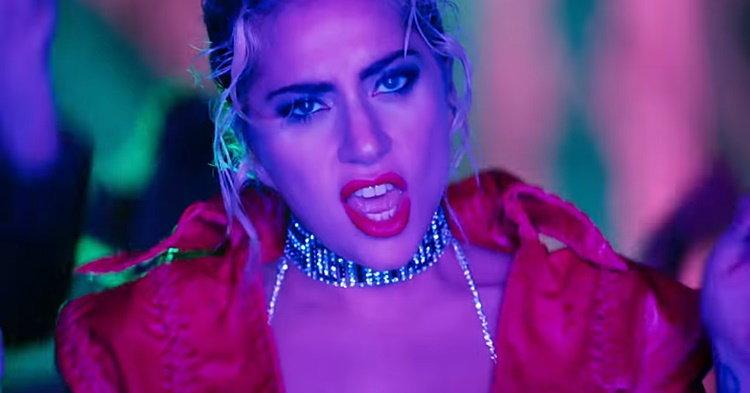 """กลับมาอย่างซ่า! Lady Gaga เปรี้ยวสุดแรงเกิดใน """"John Wayne"""""""