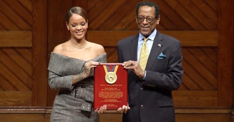 Rihanna ปลื้ม! รับรางวัลเกียรติยศจากมหาวิทยาลัยฮาร์วาร์ด