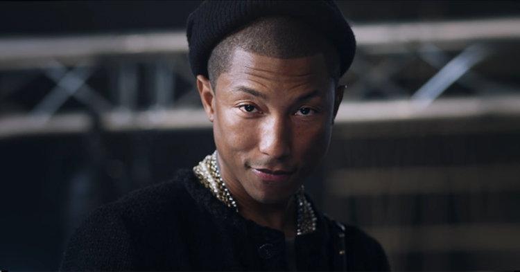 Pharrell Williams เป็นพรีเซนเตอร์ผู้ชายคนแรกของกระเป๋า CHANEL