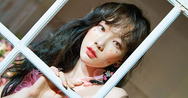 """TAEYEON คัมแบ็คลุคสาวหวานชวนอบอุ่นในเพลง """"Make Me Love You"""""""