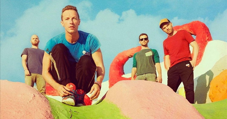 "Coldplay ปล่อย Kaleidoscope EP พร้อมเพลงใหม่ ""Miracles (Someone Special)"""