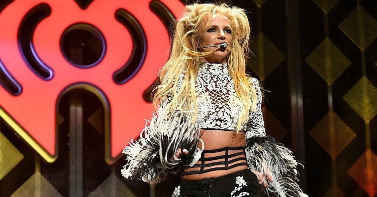 Britney Spears โชว์ร้องสด ช็อกแฟนคลับกลางคอนเสิร์ตที่ลาสเวกัส