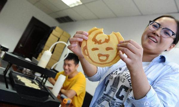 แววจะรวย! เด็กจีนหารายได้เสริมเขียนซอฟท์แวร์สร้างเครื่องพิมพ์แพนเค้ก3มิติ ผลิตแพนเค้กขาย