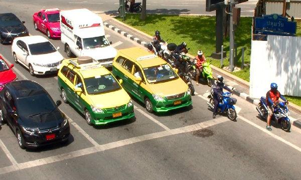 ครม.ไฟเขียว ขึ้นค่าธรรมเนียมใบขับขี่ชั่วคราวเพิ่มเท่าตัว รมช.คมนาคม แจง ไม่เเพง
