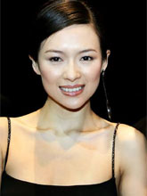คนจีนรุมด่า จาง ซี่ยี่ ไร้ยางอาย! หลังภาพเปลือยสวีทแฟนหลุด รบ.สั่งถอดจากเว็บ