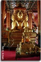 พระพุทธมหาอุดมศักยมุณี  พระพุทธรูปปางมารวิชัย 4 องค์ ที่หันหน้าออกสู่ประตูทั้งสี่ทิศ