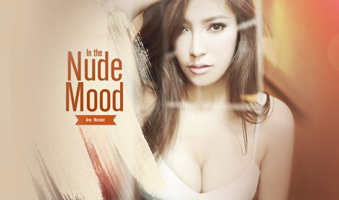 Amy  Morakot  Wallpaper : In the Nude Mood
